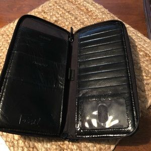 Fossil travel wallet